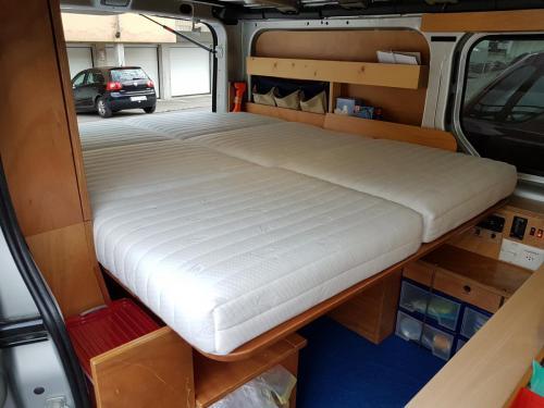 Matratzen in Campervan, klappbar