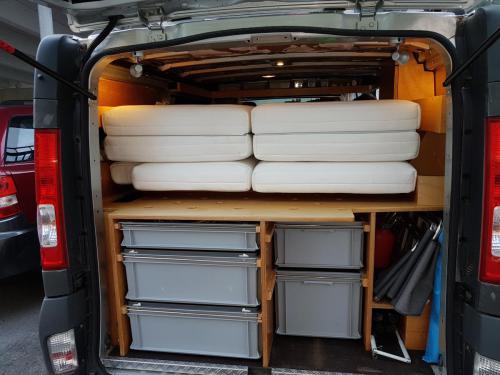 Matratzen in Campervan, zusammengelegt