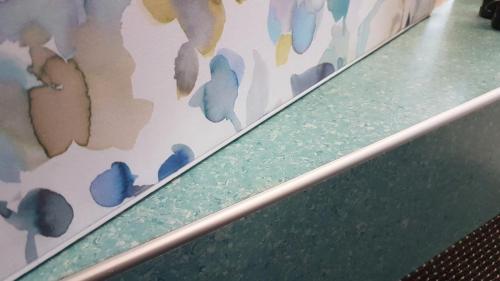 Wandbespannung mit Abschlussprofil